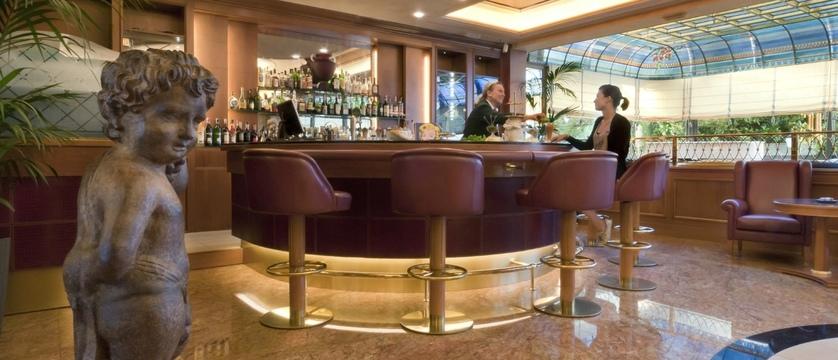 Hotel Simplon Bar.jpg